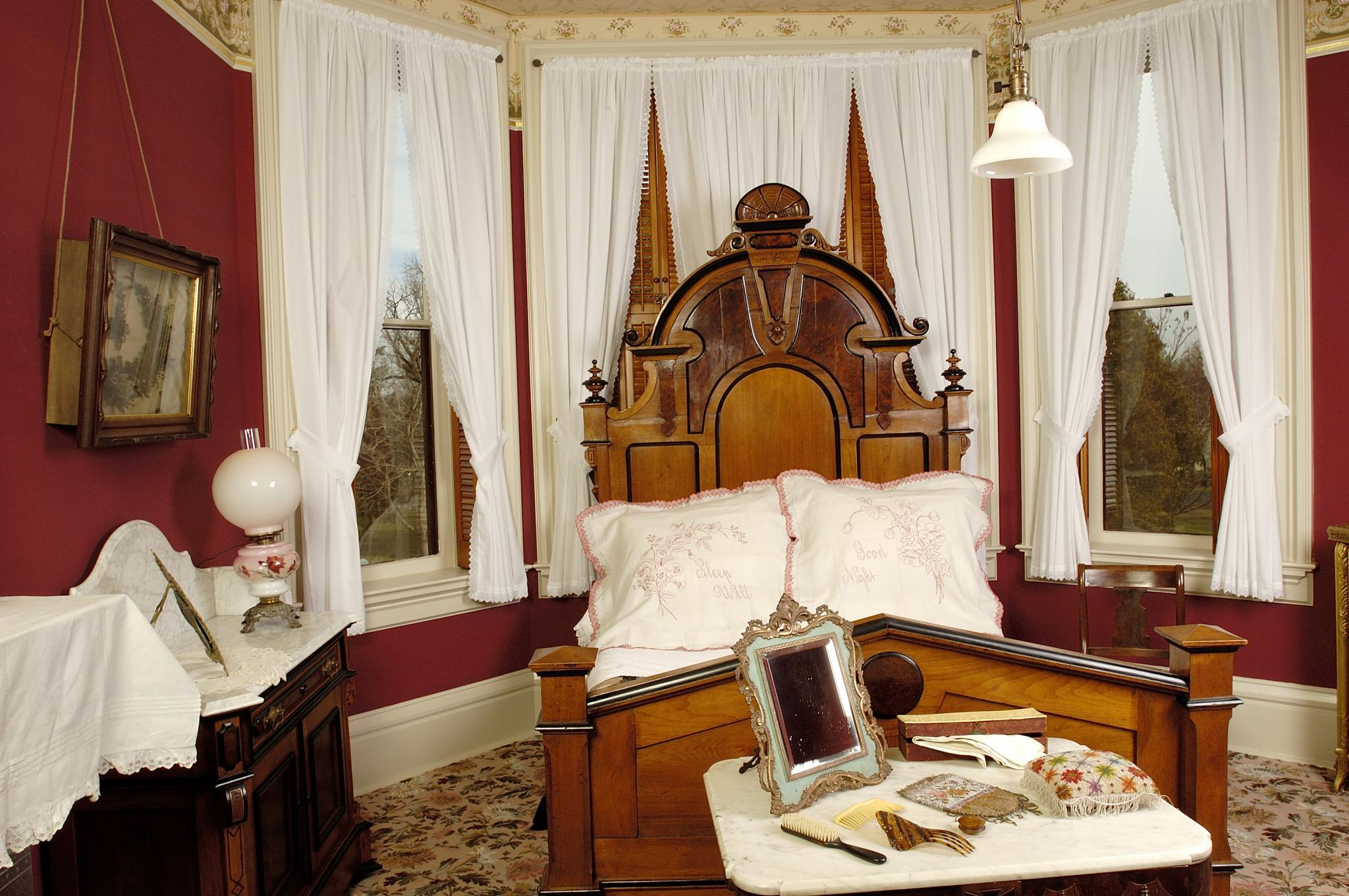 Caroline and Edward Mitchell's bedroom, Martin-Mitchell Mansion