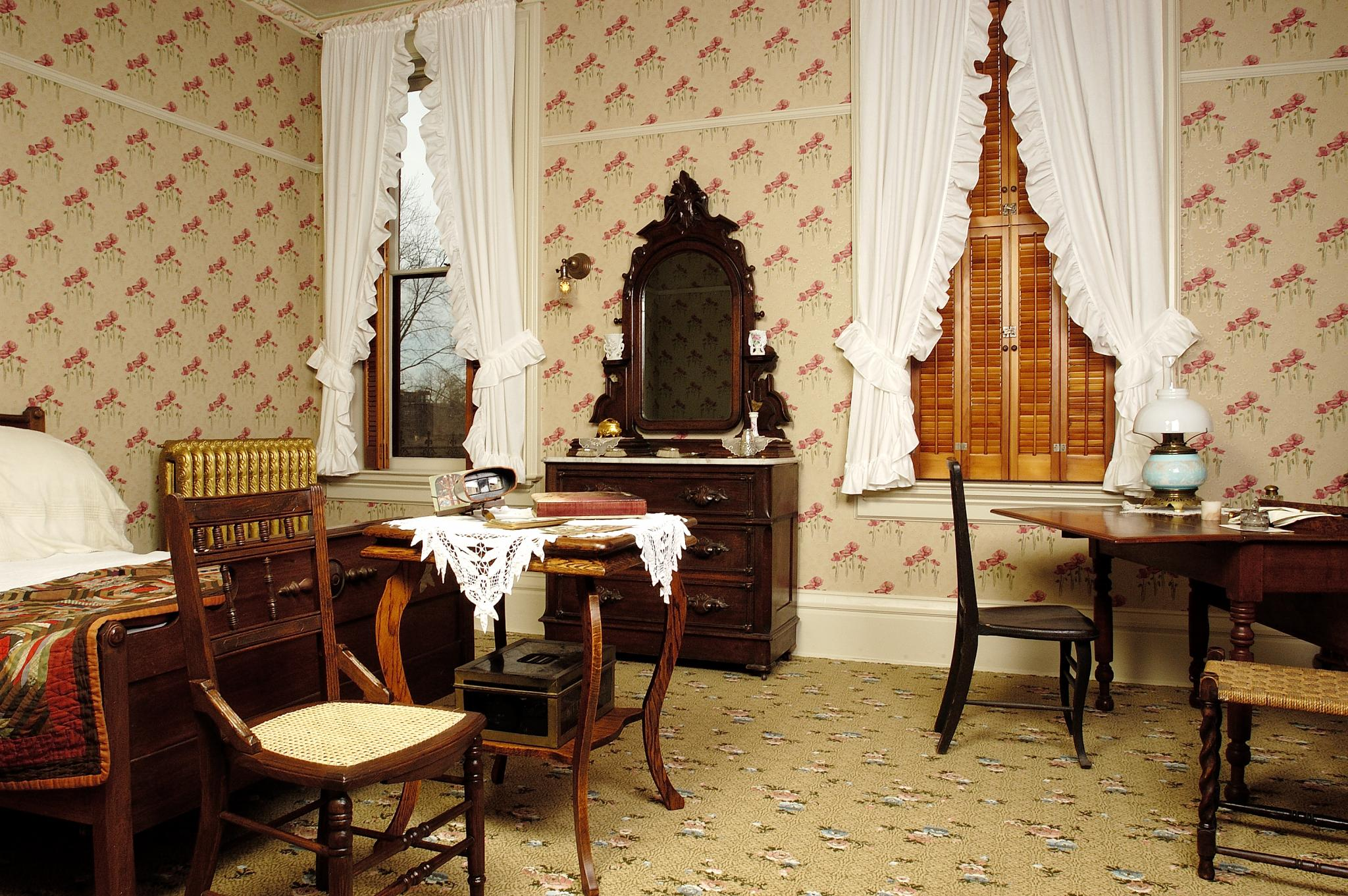 Kitty Martin's bedroom, Martin-Mitchell Mansion